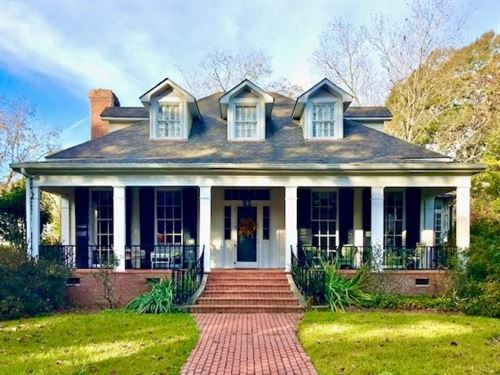 Southern Equine Estate, Historic Ho : Summit : Pike County : Mississippi