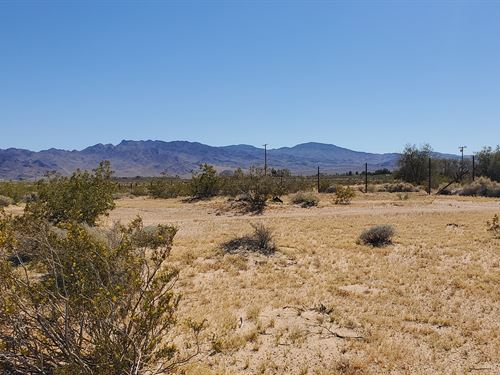 Prime Ag/Res Land, Power, $289/Mo : Newberry Springs : San Bernardino County : California