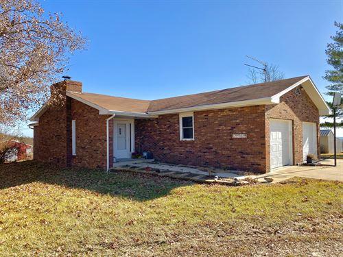 Hobby Farm With Spacious Home in MO : Mountain Grove : Wright County : Missouri
