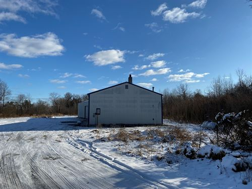 Vacant Land, 2-Pole Buildings 3000 : Waupaca : Wisconsin