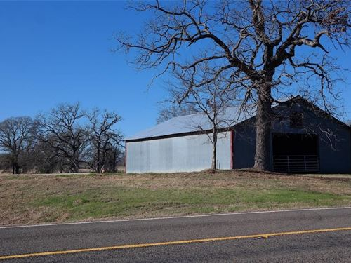 5.7 Acres With Pond And Barn : Buffalo : Freestone County : Texas