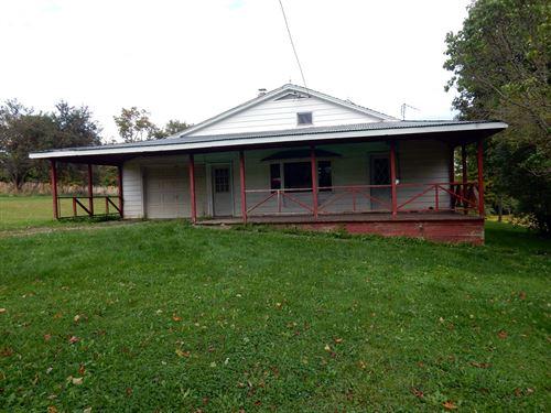 Farm House in Pharsalia : Pharsalia : Chenango County : New York