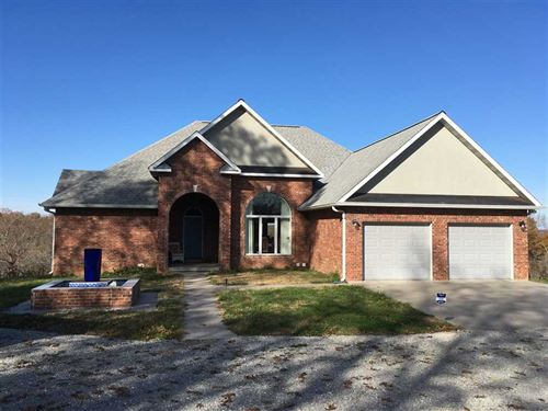 Energy Efficient Manor And 42 Acres : Willow Springs : Texas County : Missouri