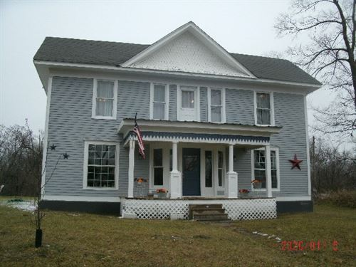 Beautifully Restored Two-Story Home : Cainsville : Harrison County : Missouri