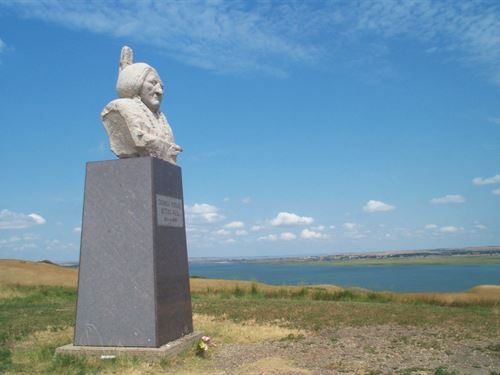Sitting Bull Monument Foundation : Mobridge : Corson County : South Dakota