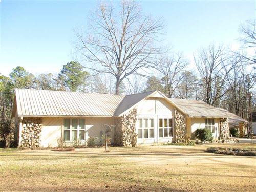 Combination Residential/Recreation : Broken Bow : McCurtain County : Oklahoma