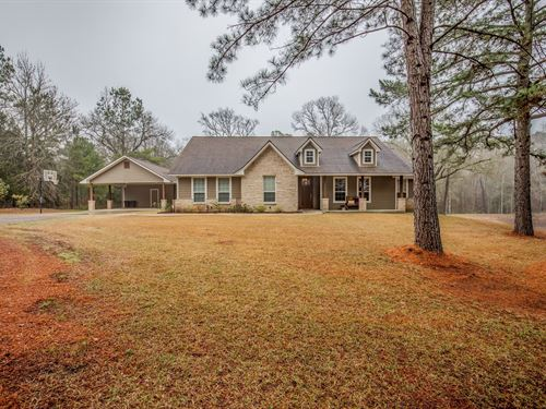 Beautiful Country Home on Acreage : Centerville : Leon County : Texas