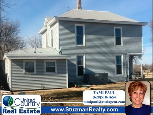 Charming Two Story Home Coldwater : Coldwater : Comanche County : Kansas