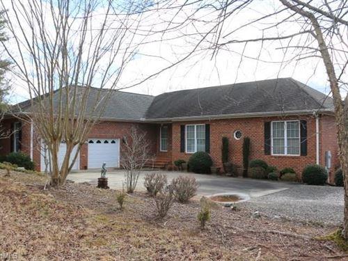 Pilot Mountain Home For Sale : Pilot Mountain : Surry County : North Carolina