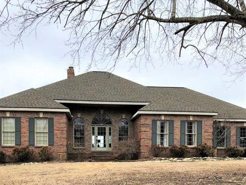 Beautiful Immaculate Home Just : Pocahontas : Randolph County : Arkansas