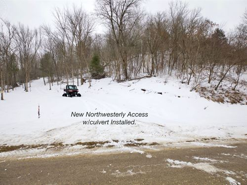 Premium Hunting Land Within Village : Soldiers Grove : Crawford County : Wisconsin