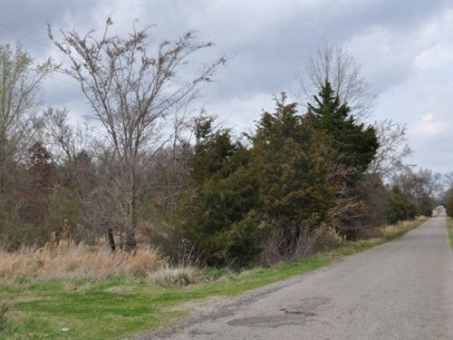 10 A, Wooded Land Homesite 2 MI : Howe : Le Flore County : Oklahoma
