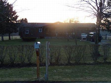 Log Sided Home On 6+ Acres : Jefferson : Ashtabula County : Ohio