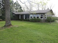 Hobby Farm Ranch Style Home Willow : Willow Springs : Howell County : Missouri