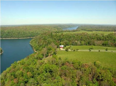 Waterfront Farm - Center Hill Lake : Smithville : Marion County : Tennessee