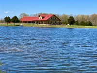 Southern Missouri Beauty, Log Home : Hartville : Wright County : Missouri