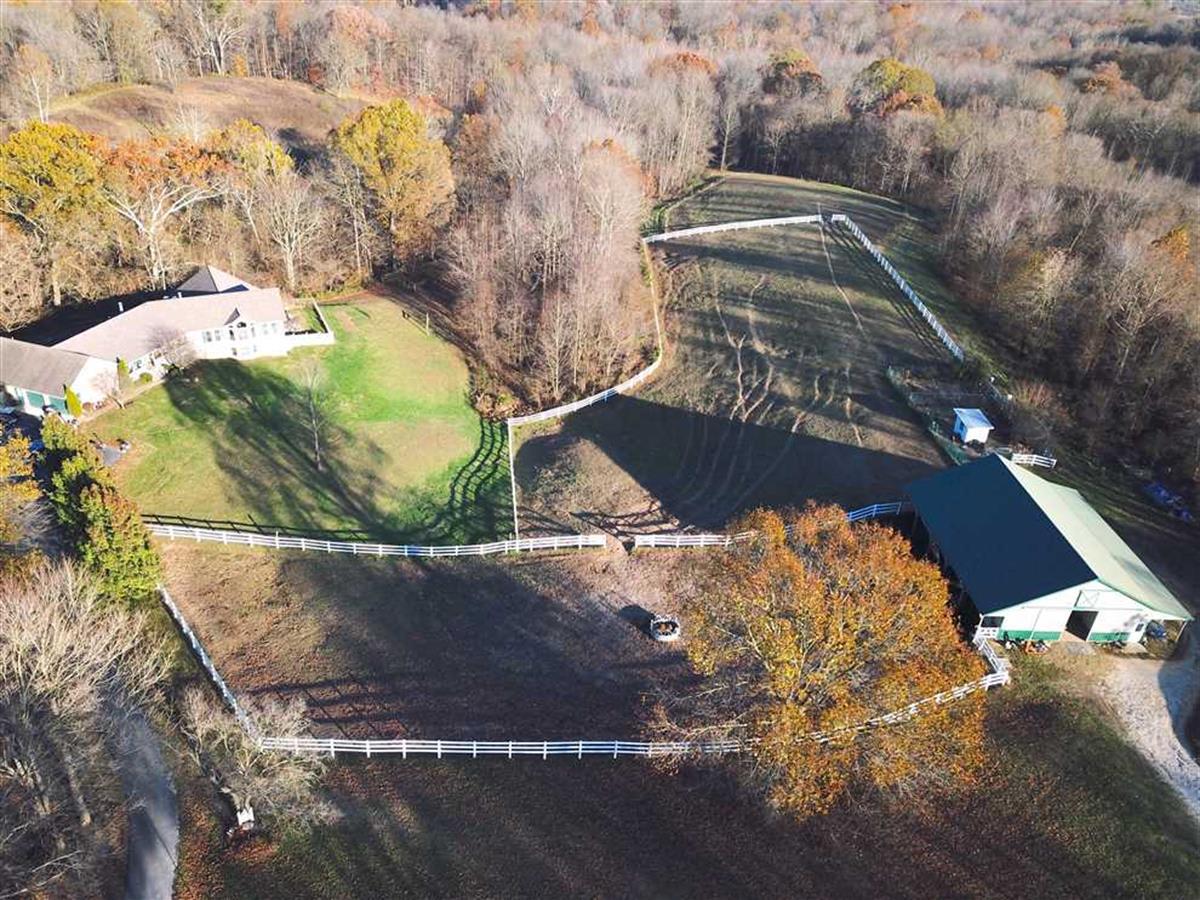 20 Acre Horse Farm Home 5 Bdrm Farm For Sale In Bloomfield Greene County Indiana 259769 Farmflip
