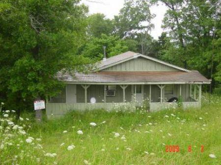 Hwy 87 Farm And House : Mountain View : Stone County : Arkansas