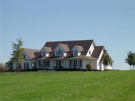 25 Acres Executive Pool Home : Munfordville : Hart County : Kentucky