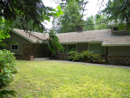 Home On Acreage With Riverfrontage : Elma : Grays Harbor County : Washington