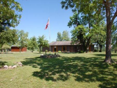 Gentleman's Farm : Bakersfield : Howell County : Missouri