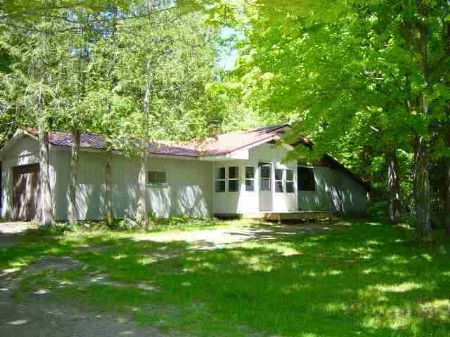 48401 Orchard Rd Mls #1045648 : Lake Linden : Houghton County : Michigan