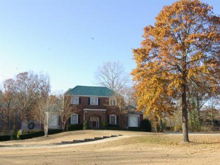 6.6 Ac, Pond, Barn & 6br 4.5ba Home : Moody : St. Clair County : Alabama