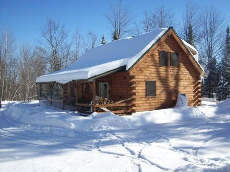 Cozy Log Home : Starts : Somerset County : Maine