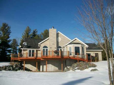 3183 Deer Lake Road Mls #1058572 : Ishpeming : Marquette County : Michigan
