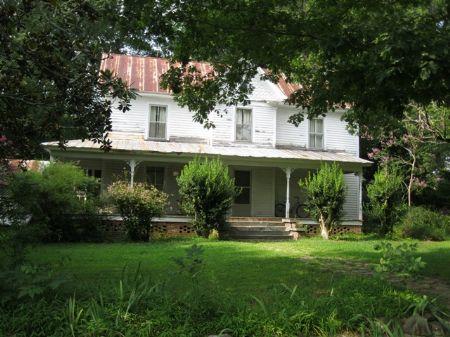 100 Year Old Farmhouse On 21+ Acres : Pittsboro : Chatham County : North Carolina