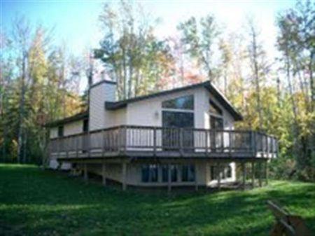 19633 W Ravenswood Ct. Mls #1059476 : L'anse : Baraga County : Michigan