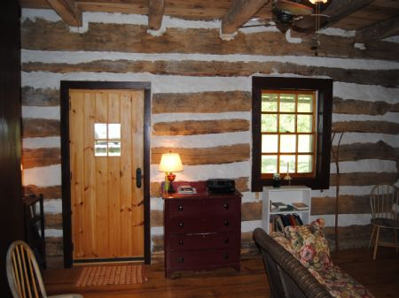 Unique Log Cabin And Acreage : Mountain View : Stone County : Arkansas