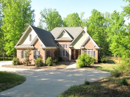Reduced 6.1 Acres With Home : Landrum : Greenville County : South Carolina