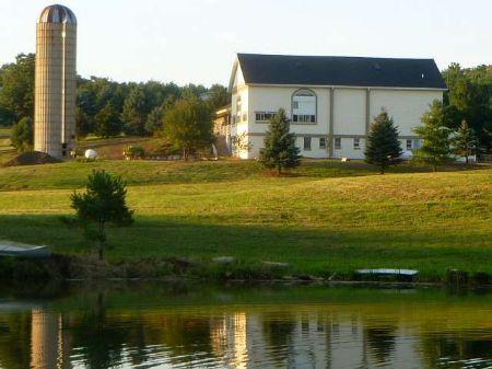 Rare Find 35+ Acres Restored Barn : Verona : Dane County : Wisconsin