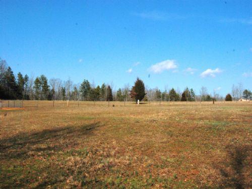 12.21 Acres Of Pastureland : Gaffney : Spartanburg County : South Carolina
