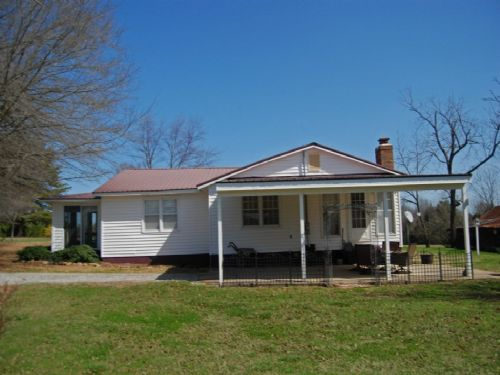 14.65 Acres With House And Barn : Union : Spartanburg County : South Carolina