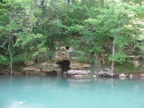 Tennessee Home With Creek Frontage : Clifton : Hardin County : Tennessee