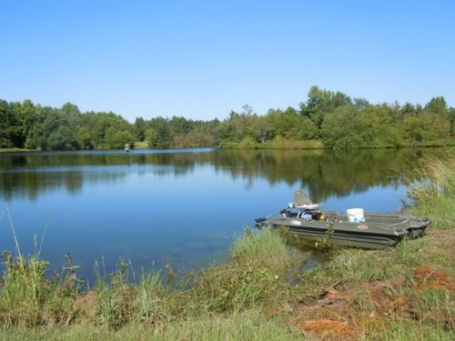 253 Acs Home~pond~fenced~barn : Millen : Jenkins County : Georgia