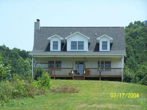 3 Bed, 3.5 Bath On 28+ Acres : Elk Creek : Grayson County : Virginia