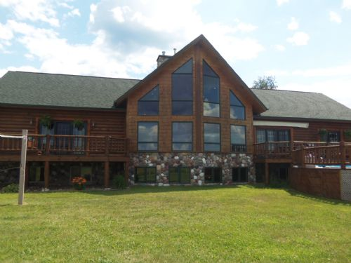 Stunning Log Home On 20 Acres : Fifield : Oneida County : Wisconsin