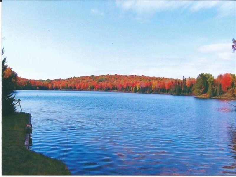 E14090 Miller Lake Rd  Mls 1068043 : Marenisco : Gogebic County : Michigan