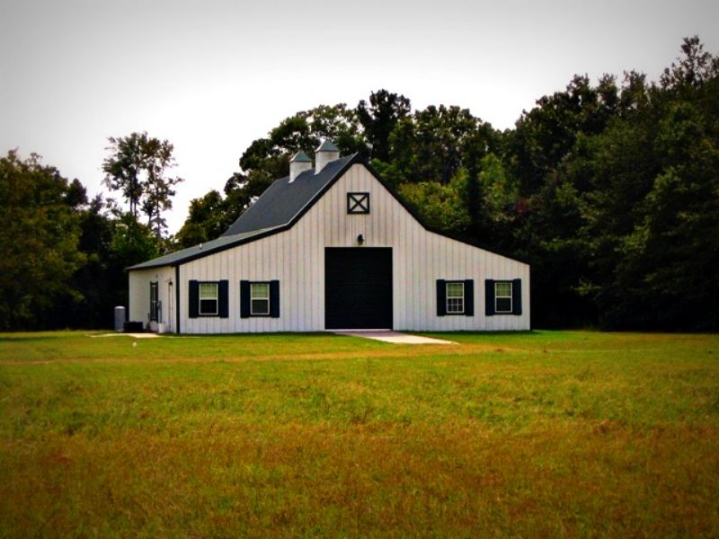Hidden Stable Farm : Pembroke : Bryan County : Georgia