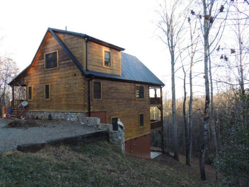 Beautiful 3 Bed, 3 Bath Log Home : Galax : Grayson County : Virginia