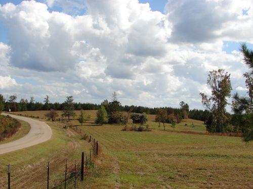 Pleasant Weoka Community Farm : Eclectic : Elmore County : Alabama