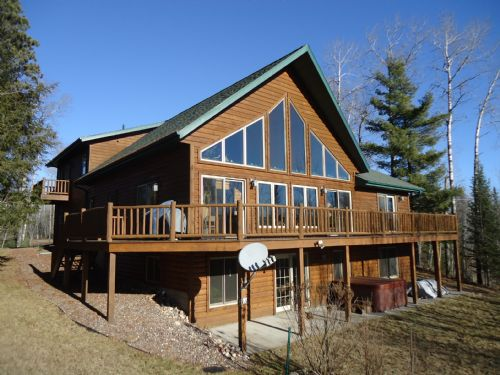 Chalet W/41 Acres & A Private Lake : Minocqua : Oneida County : Wisconsin