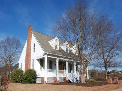 Plantation Home With Vineyard : Woodruff : Spartanburg County : South Carolina