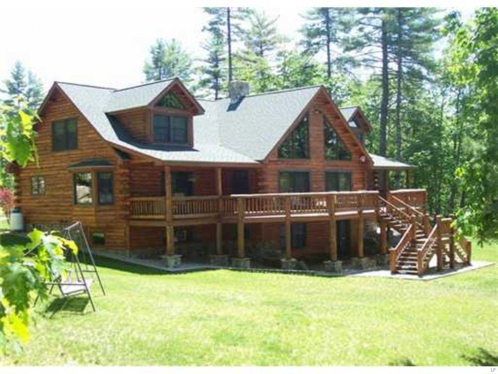 Sebago Lake Region Custom Log Home : Denmark : Oxford County : Maine