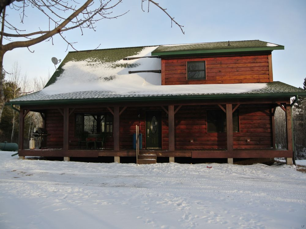 Custom Built Chalet On 6+acres : Minocqua : Oneida County : Wisconsin