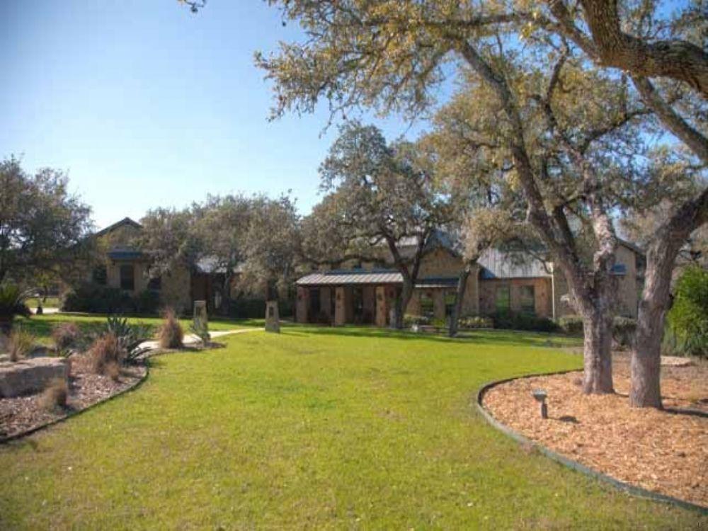 Equestrian Estate : Driftwood : Hays County : Texas