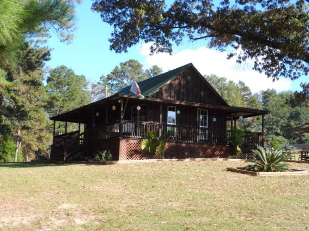 Beautiful 2br/1ba Cabin On 8+/- Ac. : Banks : Pike County : Alabama
